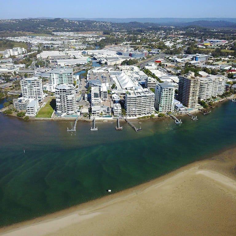 Drone fotografando Sunshine Coast